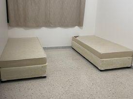 سرير للإيجار للسيدات العاملات في شقة نظيفة جدا النادي السياحي قرب ابوظبي مول