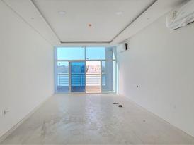 للبيع شقة تشطيب ديلوكس في منطقة راقية في الحد الجديدة مطقة على البحر 5