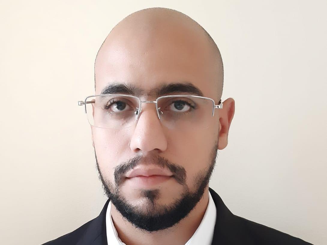 محاسب مصري يبحث عن عمل 4
