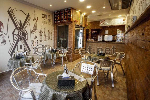 محل كريب و قهوة بجميع اغراضة للتقبيل او بيع الاغراض كاملة