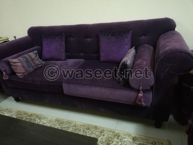 Sofa set in good condition with table