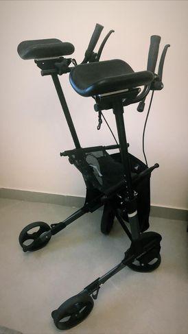 Special walker and adjustable